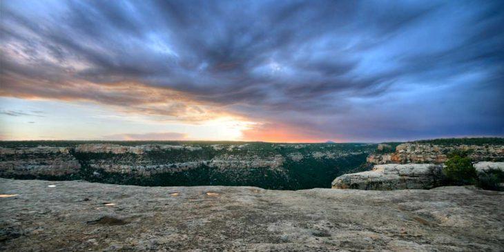 glorious-sunrise-colorado-mesa